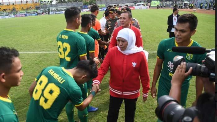 Semifinal Piala Gubernur, Khofifah Berharap Suporter Arema dan Persebaya Jaga Perdamaian