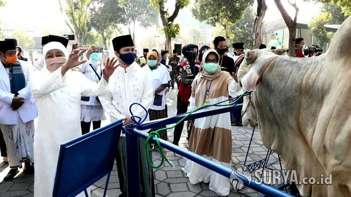Khofifah Salat Ied di Masjid Al Akbar Surabaya, Sebut 5 Hikmah Rayakan Idul Adha di Tengah Pandemi