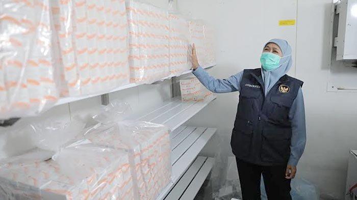 Sore Ini, Gubernur Khofifah Berangkatkan Distribusi Vaksin Covid-19 ke 38 Daerah di Jawa Timur