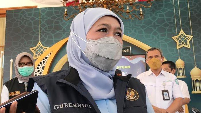 Ratusan PMI dari Luar Negeri Terus Berdatangan ke Jatim, Gubernur Khofifah Perketat Sistem Karantina