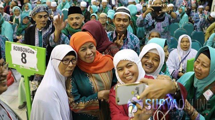 Khofifah Sambut Jamaah Haji Kloter 61, Tahun Depan Pemberangkatan dari Juanda Dibuat Fast Track