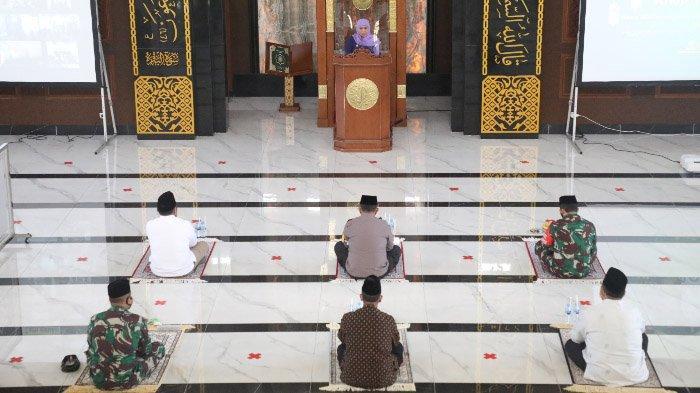 Jelang Pilkada Serentak, Gubernur Khofifah Bersama Forkopimda Jatim Khotmil Quran