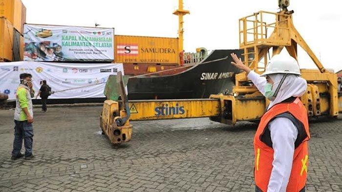 Gubernur Khofifah Bersama ACT Dan YP3I Lepas Kapal Kemanusiaan ke Kalimantan Selatan