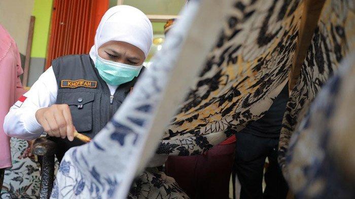 Hari Batik Nasional, Gubernur Khofifah Ajak Generasi Milenial Perkenalkan Batik Jatim