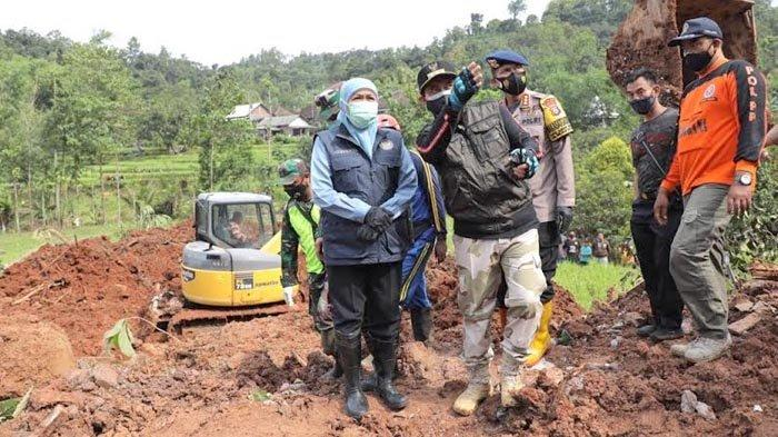 Gubernur Khofifah Tinjau Lokasi Longsor di Nganjuk, Proses Penanganan Berjalan Baik