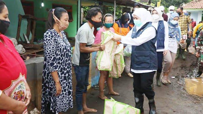 Atasi Banjir di Probolinggo, Khofifah: Segera Dikasih Bronjong dan Dibangun Plengsengan Permanen
