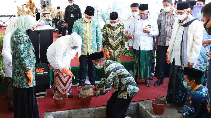 Khofifah Bersama Beberapa Menteri Lakukan Peletakan Batu Pertama Pembangunan RSNU Jombang