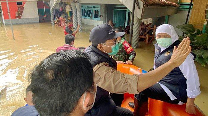 Tinjau Banjir di Pamekasan, Gubernur Khofifah Segera Lakukan Mitigasi dan Evaluasi Komprehensif
