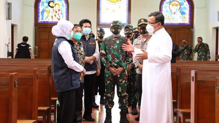 Jelang Natal, Gubernur Khofifah Tinjau Gereja, Pastikan Kondisi Aman dan Patuhi Protokol Kesehatan