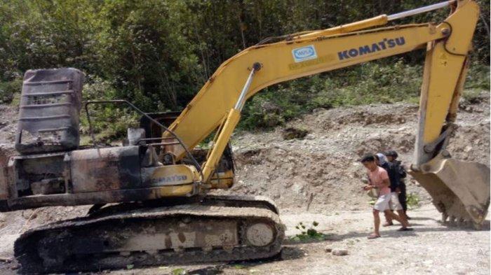 KKB Papua Lamek Taplo Diduga Balas Dendam Setelah Anggotanya Disergap TNI, Bakar Truk dan Ekskavator