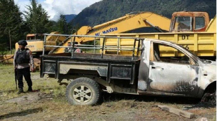 KKB Papua Makin Beringas Bakar 3 Kendaraan Perusahaan, Praka Hendra Sipayung Juga Diberondong