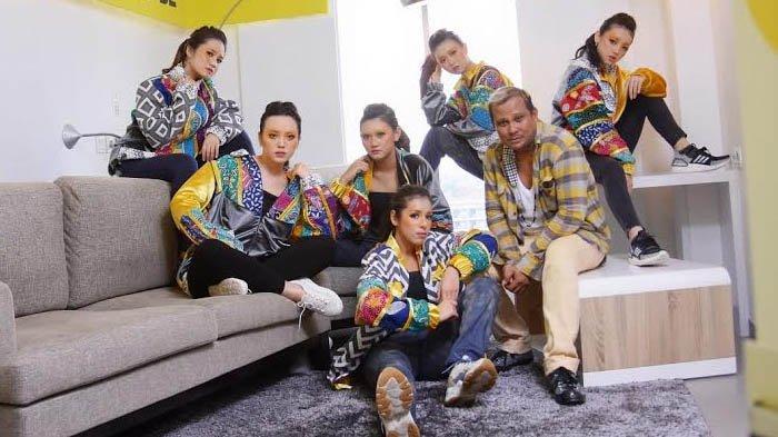 Busana Neo Hipop Rancangan Embran Nawawi, Padukan Street Style Kekinian dan Batik Pamekasan
