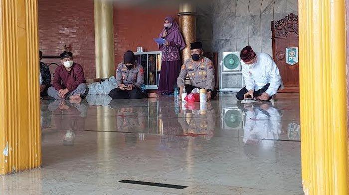 Kunjungi Masjid Cheng Hoo Surabaya, Kapolrestabes Ajak Ulama Gotong Royong Atasi Pandemi Covid-19