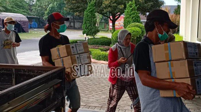 KPU Kabupaten Kediri Sortir dan Lipat Surat Suara, Target Empat Hari Selesai