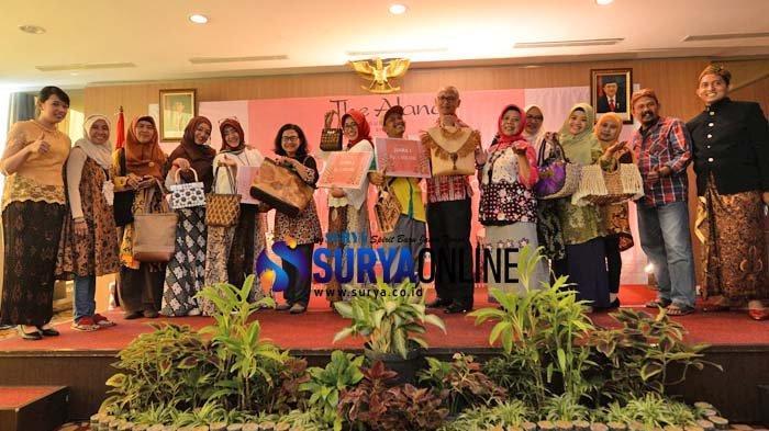 Galeri Foto Lomba Kerajinan Tangan Berbahan Ramah Lingkungan yang Digelar The Alana Hotel Surabaya