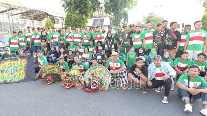 Komunitas Bonek Revolution, Ini yang Membedakannya dari Pendukung Persebaya Surabaya Lainnya