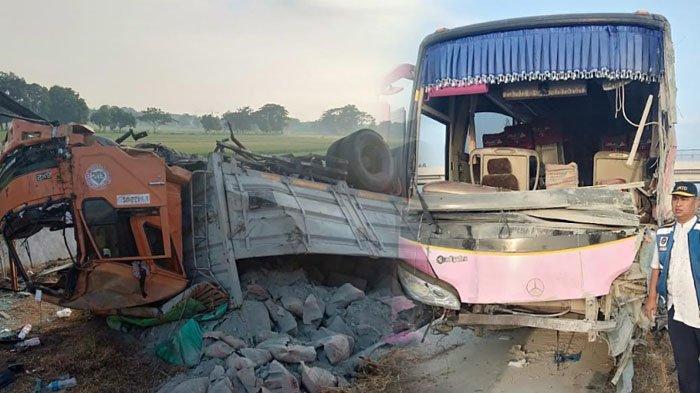 Bus Pariwisata yang Kecelakaan di Tol Pasuruan Probolinggo Ternyata Rombongan Ziarah Wali Songo