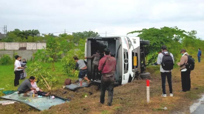 Bus Tentrem Terguling di Tol Waru Sidoarjo, 14 Penumpang Luka-luka, Berikut Identitas Mereka