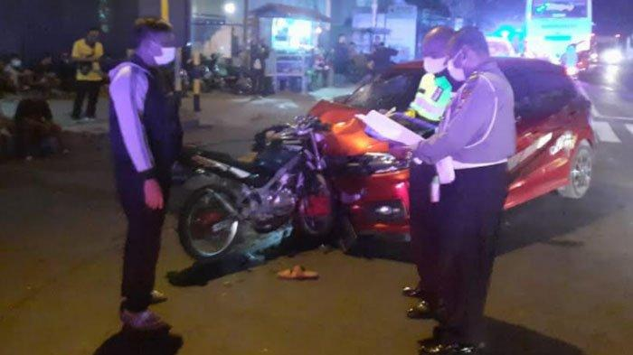 Tabrakan Maut di Kabupaten Tulungagung, Kawasaki Ninja Menancap di Moncong Brio