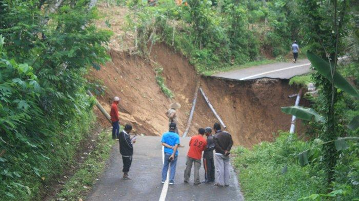 Langkah Pemkab Trenggalek Atasi Jalan Putus Menuju Kecamatan Bendungan