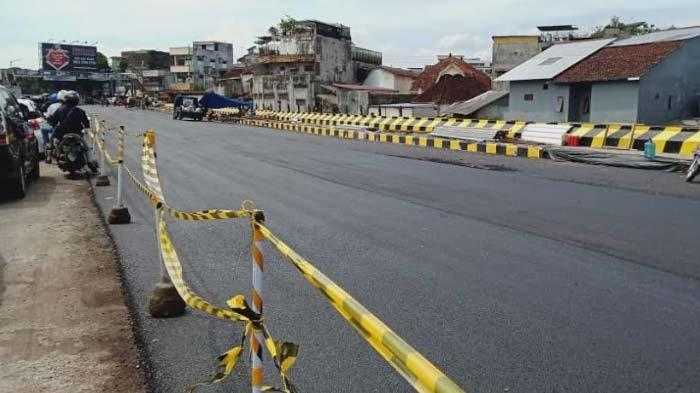 Perbaikan Jalan Ambles Segera Tuntas, Kawasan Jompo Jember Kemungkinan Dilewati 8 Mei