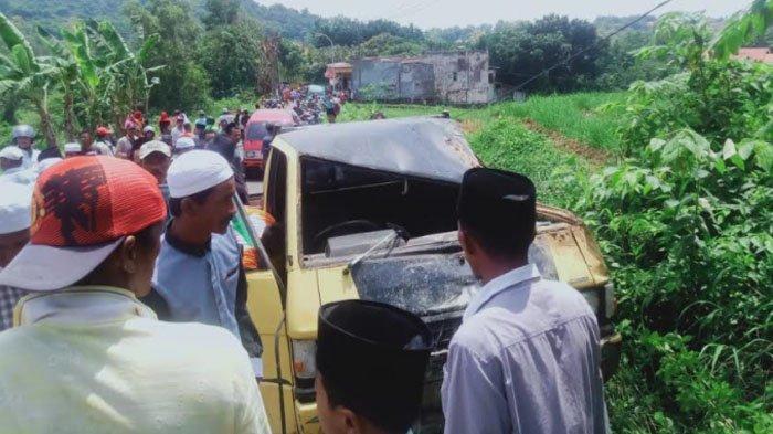 KRONOLOGI Pikap Angkut Rombongan Lamaran Tabrak Tiang PJU di Pamekasan, Dua Orang Tewas di Lokasi
