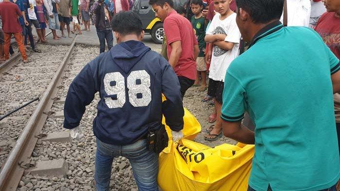Pajero Sport Disambar KA di Surabaya - 3 Orang Sekeluarga Tewas, 1 Diantaranya Anak-anak Terpental