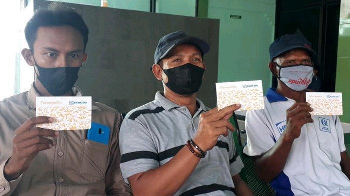 Ratusan Petani Gresik Dicatut untuk Proyek Mangrove; Diupah Rp 900 Ribu, di ATM Tersisa Rp 1.000