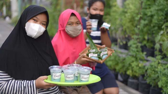 WargaRT 2 RW 3 Ketintang Surabaya Budayakan Tanaman Telang, Ada Aneka Produk Olahan