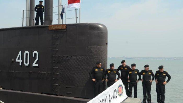 Potret Penampakan KRI Nanggala 402 saat sejumlah pejabat menerima salam komando usai pemberian anugerah brevet kapal selam