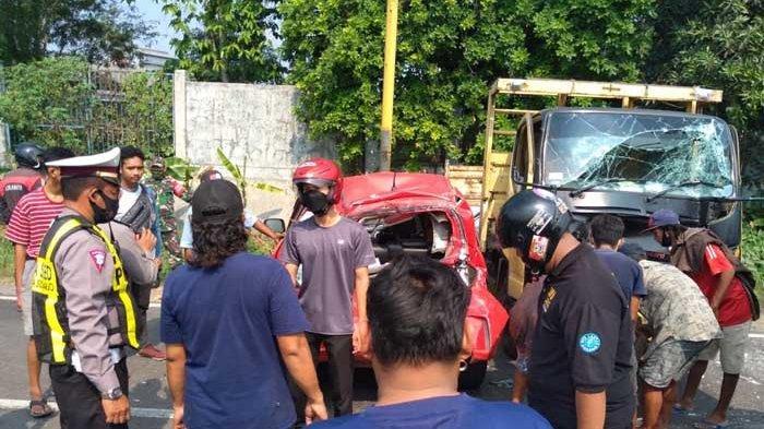 Kronologi Kecelakaan Beruntun Enam Kendaraan di Krian Sidoarjo yang Bikin Jalan Macet Total