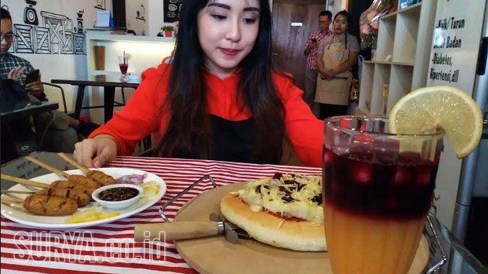 Pizza Nanas dan Sate Lilit Ala Healthy Cook Cafe, Rendah Kalori dan Lemak