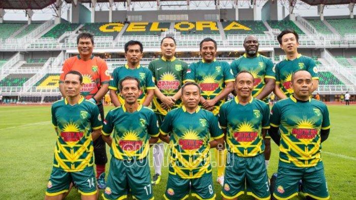 Tiga Kepala Daerah Uji Coba Stadion Gelora Bung Tomo Lewat Laga Persahabatan