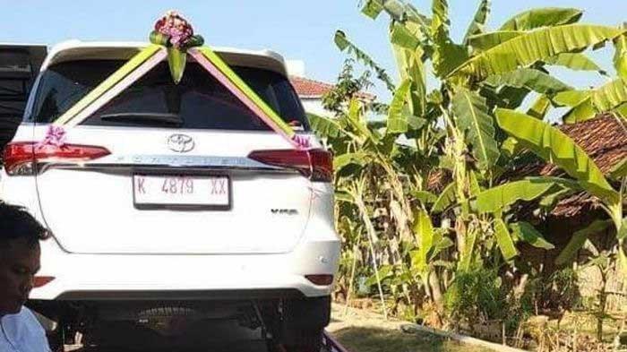 LAGI VIRAL di Instagram Bakul Bakso Beri Mahar Mobil Fortuner Saat Nikahi Gadis 23 Tahun