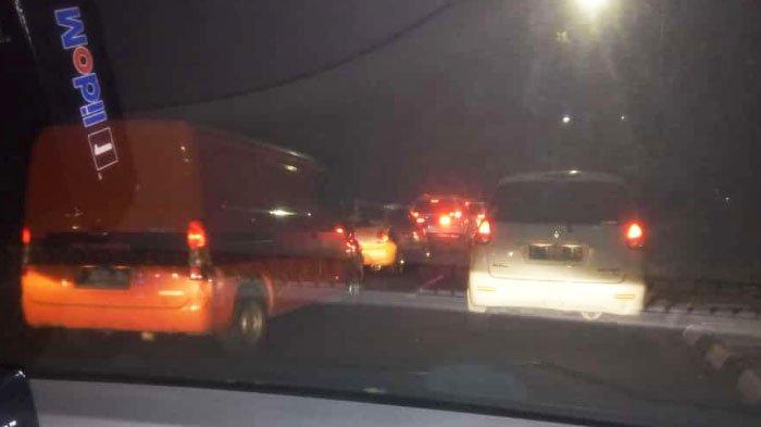 Pantauan Lalu Lintas Kota Surabaya: Jl A Yani Arah Bunderan Waru Padat Merayap Malam ini