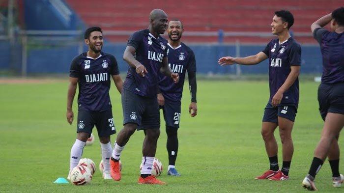 Punya Sejarah Juara, Tapi Persik Kediri Cuma Targetkan Bertahan di Papan Tengah Klasemen Liga 1 2021