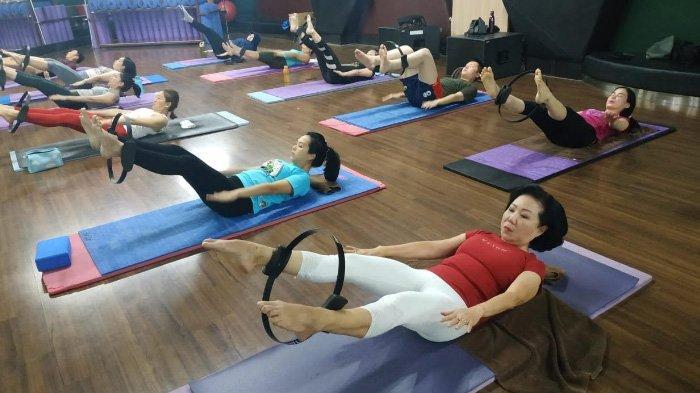 Memperbaiki Postur Tubuh Lewat Mat Pilates