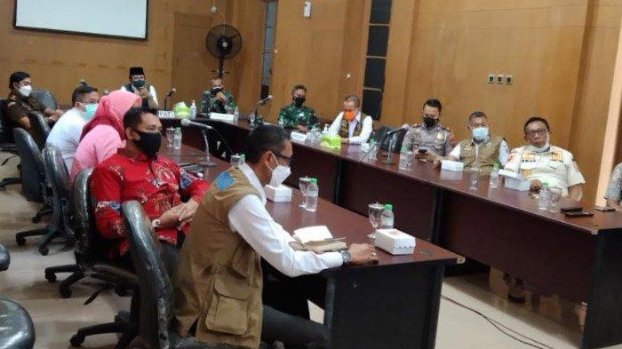 Ratusan Orang Tertular Covid-19 dalam 3 Hari, Pemkab Bangkalan Gerojok 100 Ribu Paket Beras