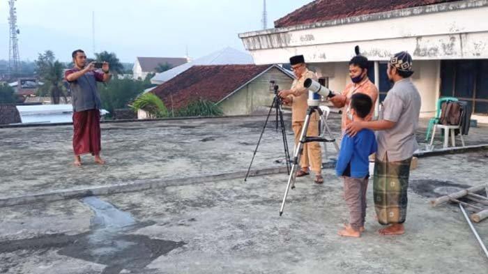 Pantauan Hilal Penentuan 1 Ramadan 2021 di Kabupaten Bondowoso Tidak Berhasil karena Terhalang Awan
