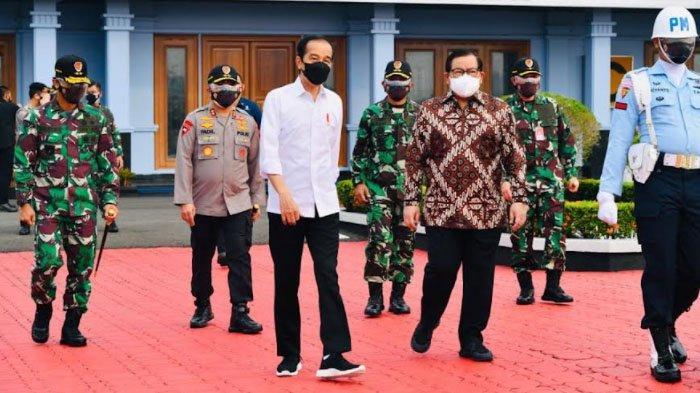 Presiden Jokowi Tinjau Vaksinasi dan Kunjungi Pabrik Pengolahan Porang di Kabupaten Madiun