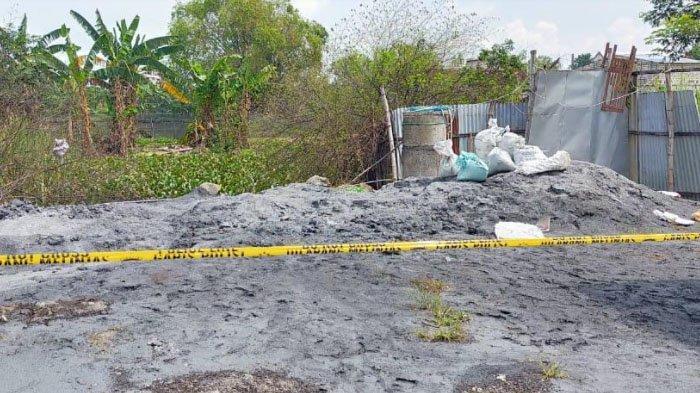 Polisi masih Bungkam soal Penemuan Limbah B3 di Desa Iker-iker, Cerme, Ketua RT Dipanggil DLH Gresik