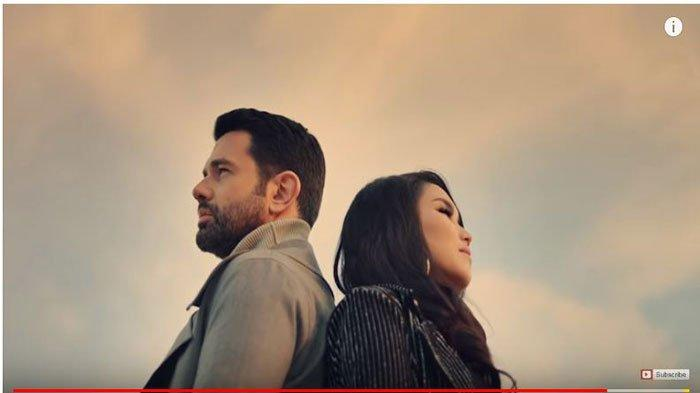 Link Download MP3 Lagu 'Apalah Cinta' Ayu Ting Ting ft