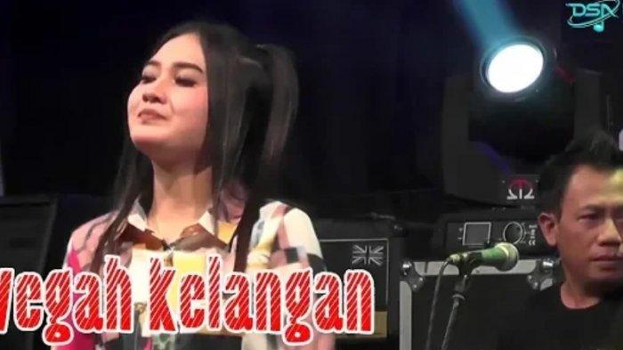 Lirik dan Chord Lagu Wegah Kelangan - Nella Kharisma Viral di TikTok, Aku Isih Sayang