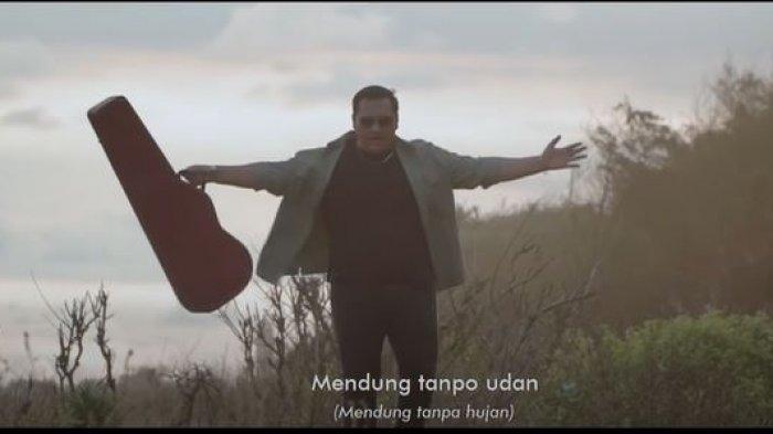 Lirik Lagu Mendung Tanpo Udan - Ndarboy Genk, 'Mendung Tanpo Udan Ketemu Lan Kelangan'