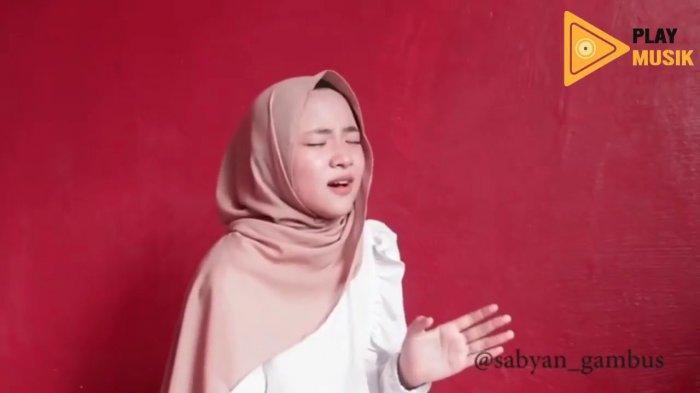 Lirik Lagu Wana Bein Ideik - Cover Nissa Sabyan Tulisan Latin dan Artinya, Viral di TikTok