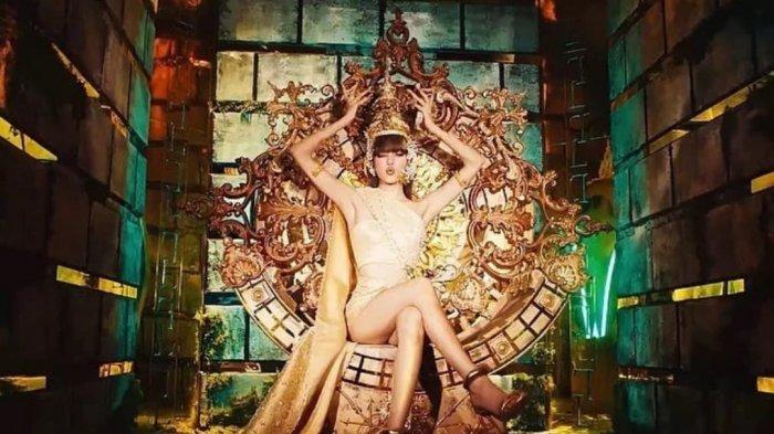Lisa BLACKPINK Selipkan Budaya Thailand dalam Single Terbaru, Raih Beragam Prestasi Mengesankan