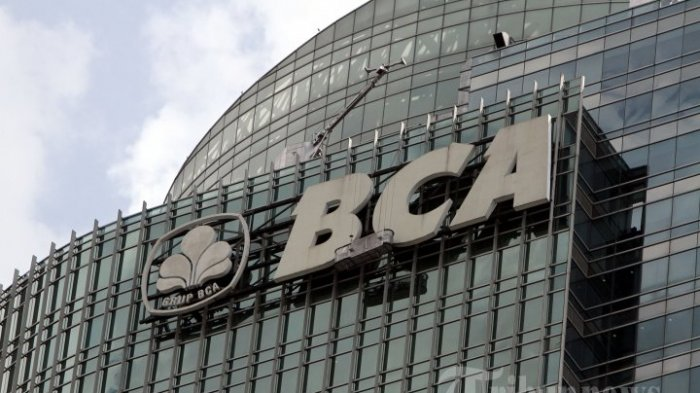 ILUSTRASI. Logo Bank BCA di Kantor Pusat Bank BCA, Jakarta Pusat.