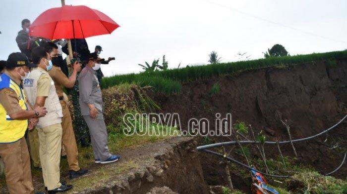 Bupati Tulungagung Upayakan Solusi Jalan Desa Krosok yang Putus Akibat Longsor