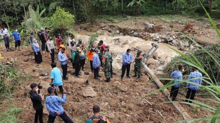 270 Keluarga Terisolasi Karena Bencana Longsor di Kecamatan Sendang Tulungagung