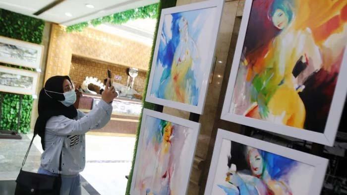 Kolaborasi Seniman-Jurnalis dalam Pameran Mir4culous Trust, Lukisan